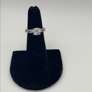 Engagement ring - approximately 6.5